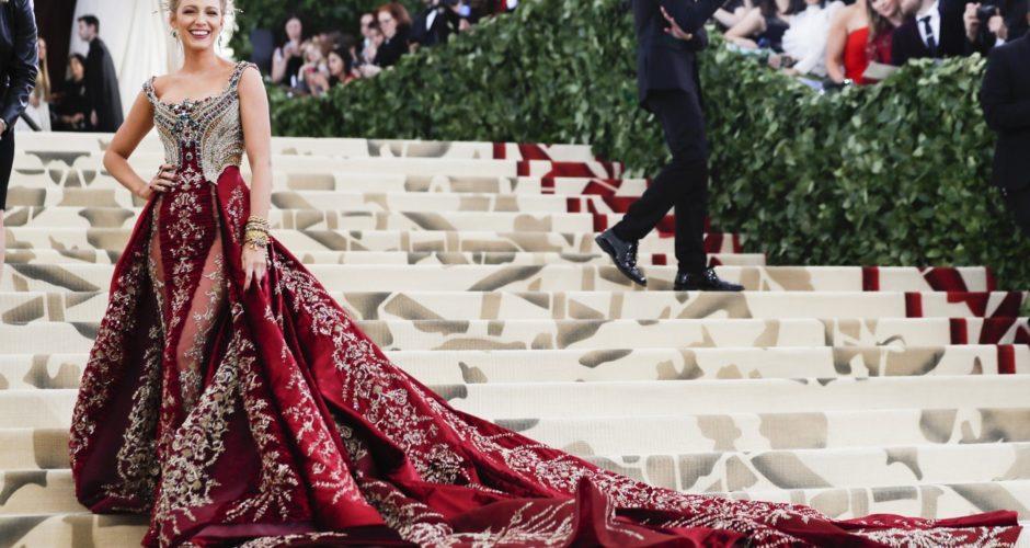 moda de lux cu rochii