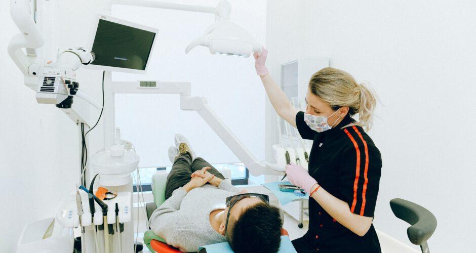 Tipuri de proteze dentare Avantaje și dezavantaje